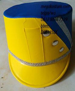 desain topi drumband kombinasi kuning biru dan renda silver