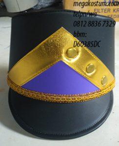 pengrajin topi drumband